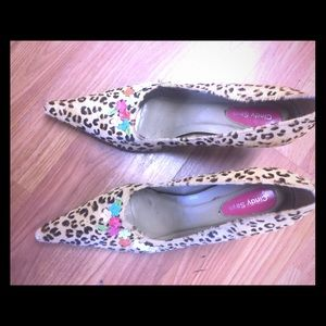 Shoes - Leopard pumps with colorful flower accents